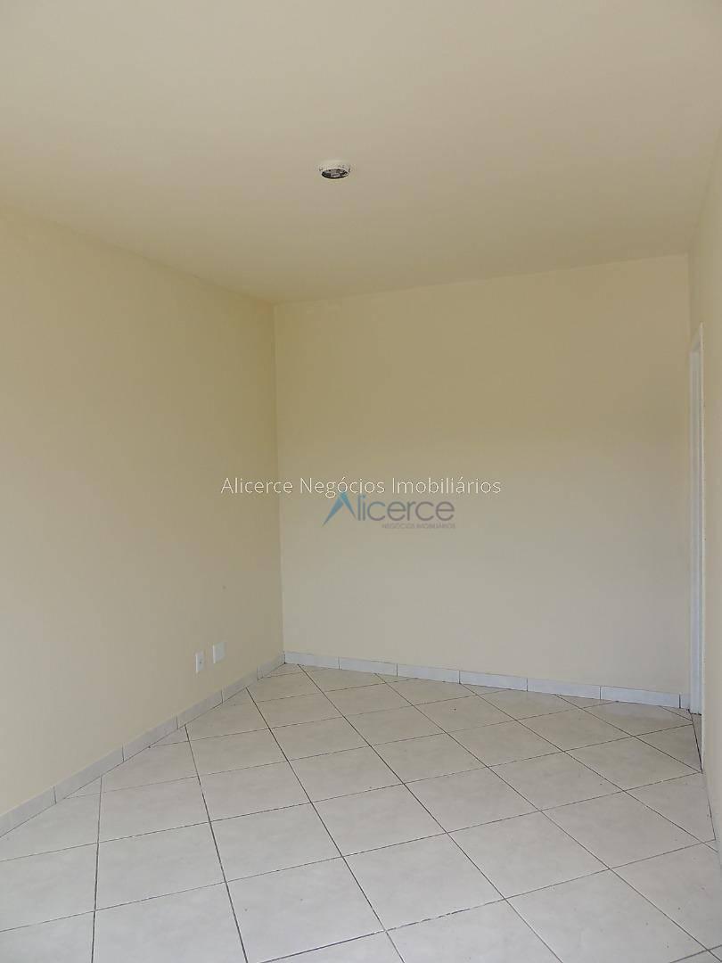 Apartamento com 2 dormitórios para alugar, 65 m² por R$ 550/mês - Progresso - Juiz de Fora/MG