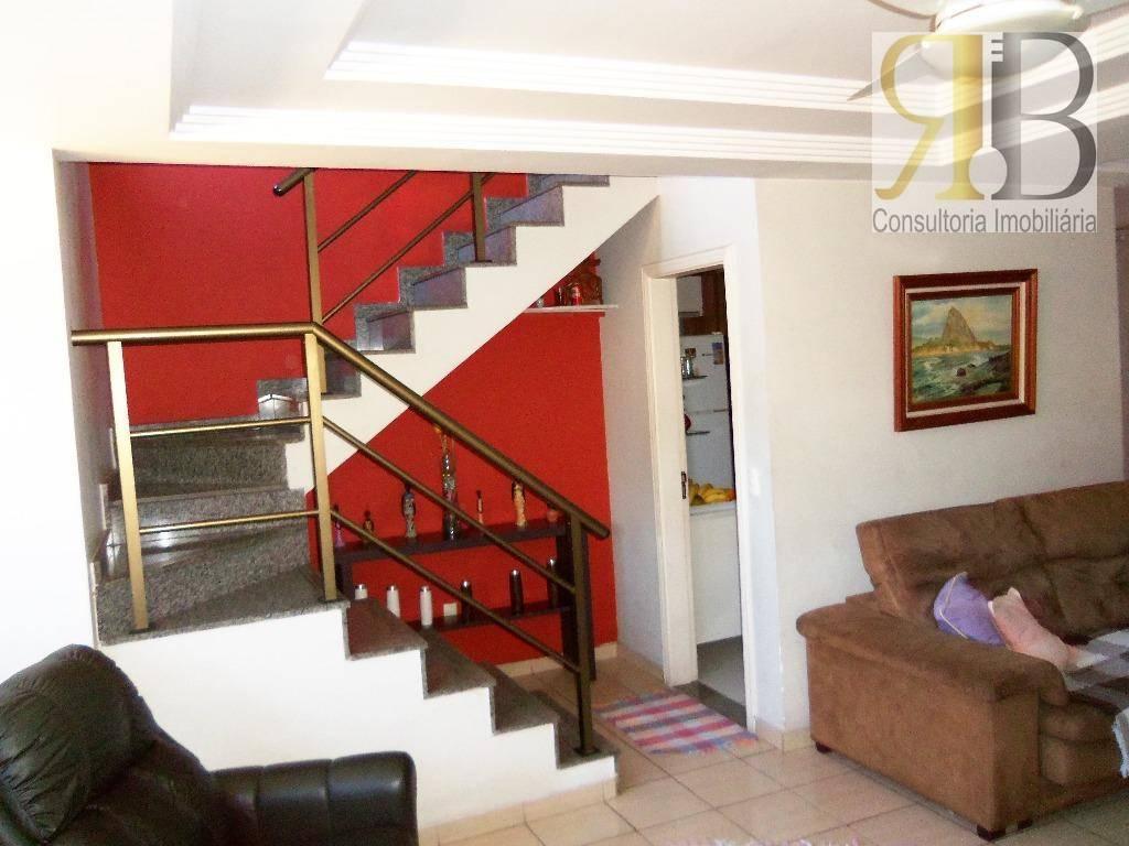 Ótima casa de condomínio , 4 suítes 251 m2