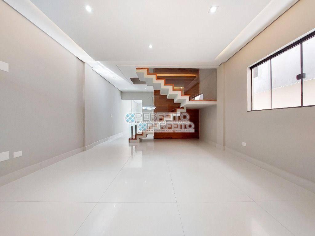 Sobrado com 3 dormitórios à venda, 180 m² por R$ 800.000 - Jardim Burle Marx - Londrina/PR
