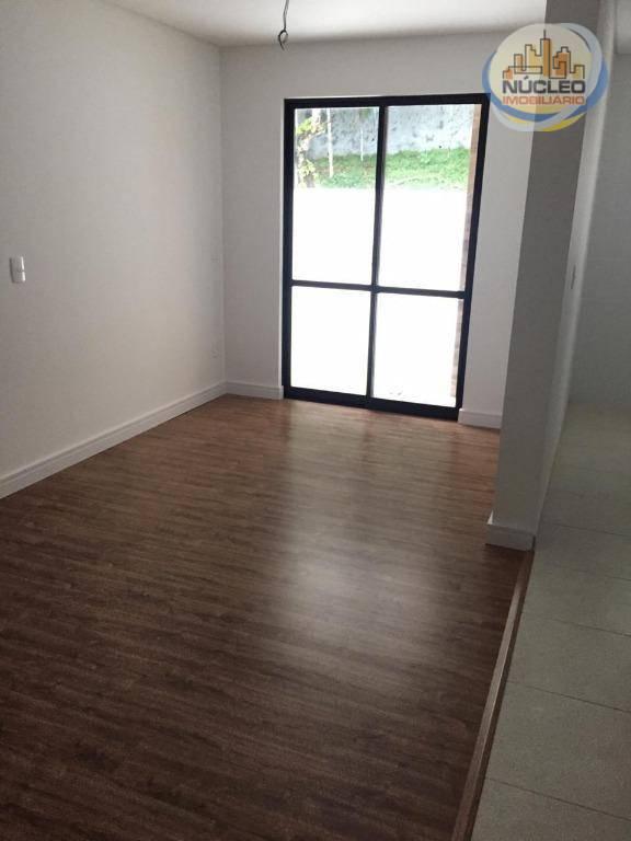 Apartamento com 2 Dormitórios à venda, 246 m² por R$ 375.390,17