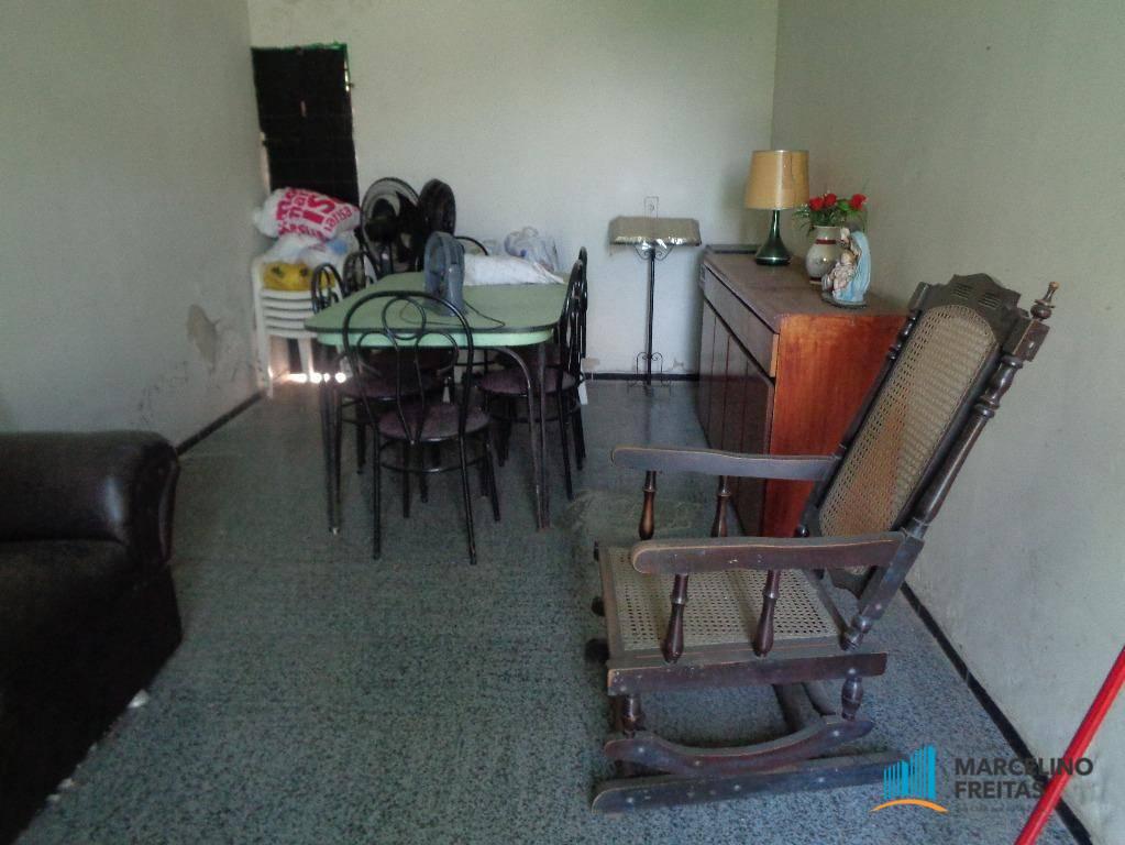 Casa / Sobrado à Venda - Jacarecanga