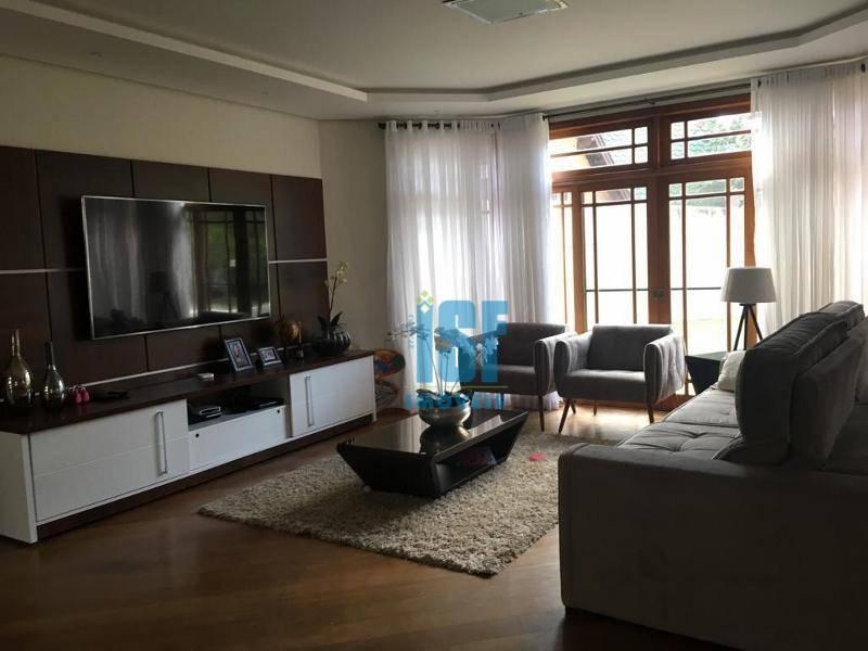 Sobrado com 4 dormitórios para alugar, 412 m² Residencial das Estrelas - Barueri/SP - SO5474.