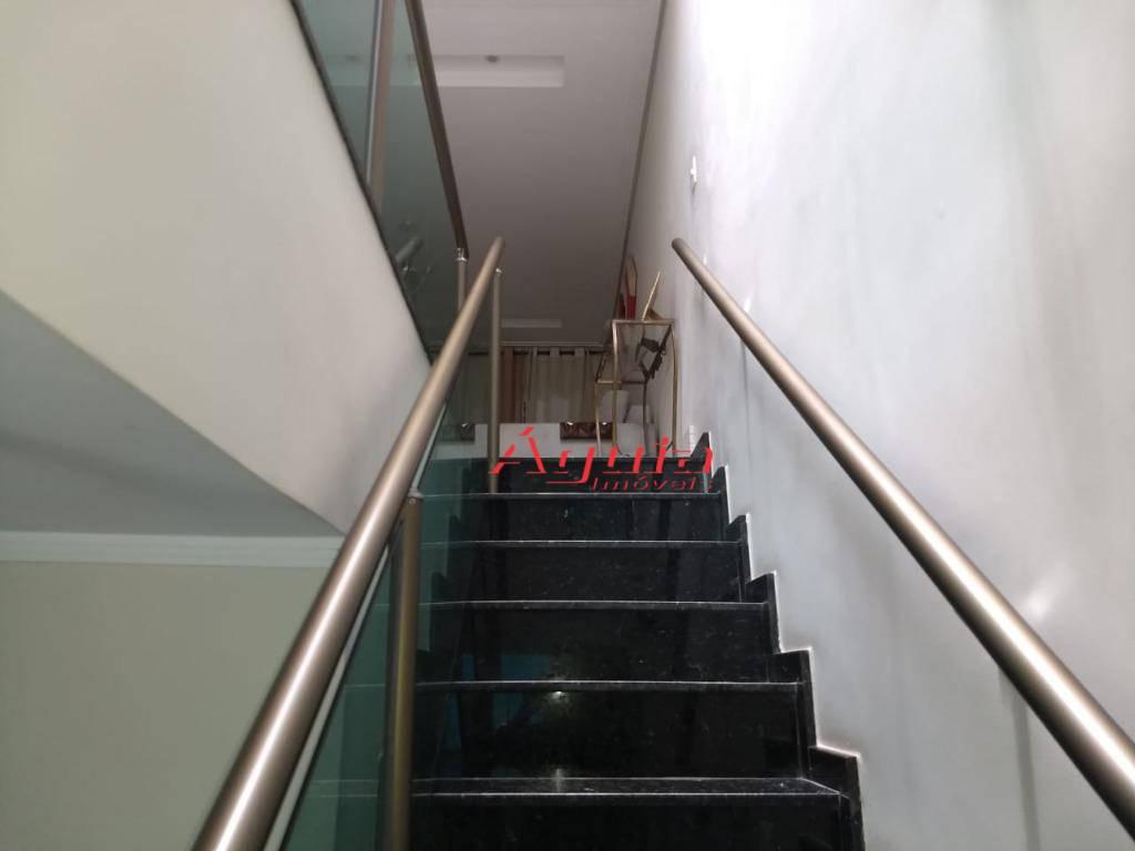 Sobrado com 3 dormitórios à venda, 258 m² por R$ 900.000 - Parque Erasmo Assunção - Santo André/SP