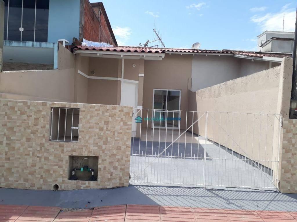 Casa geminada com 2 dormitórios em Potecas, São José