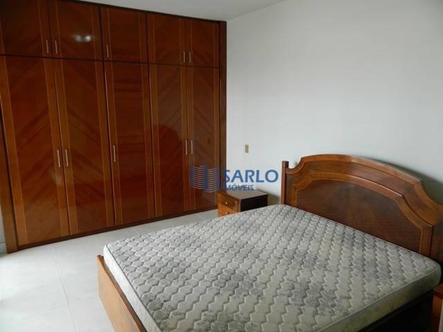 apartamento em ótima localização em vitória!todo mobiliado, armários nos quartos, cozinha e banheiro.no valor do condomínio...