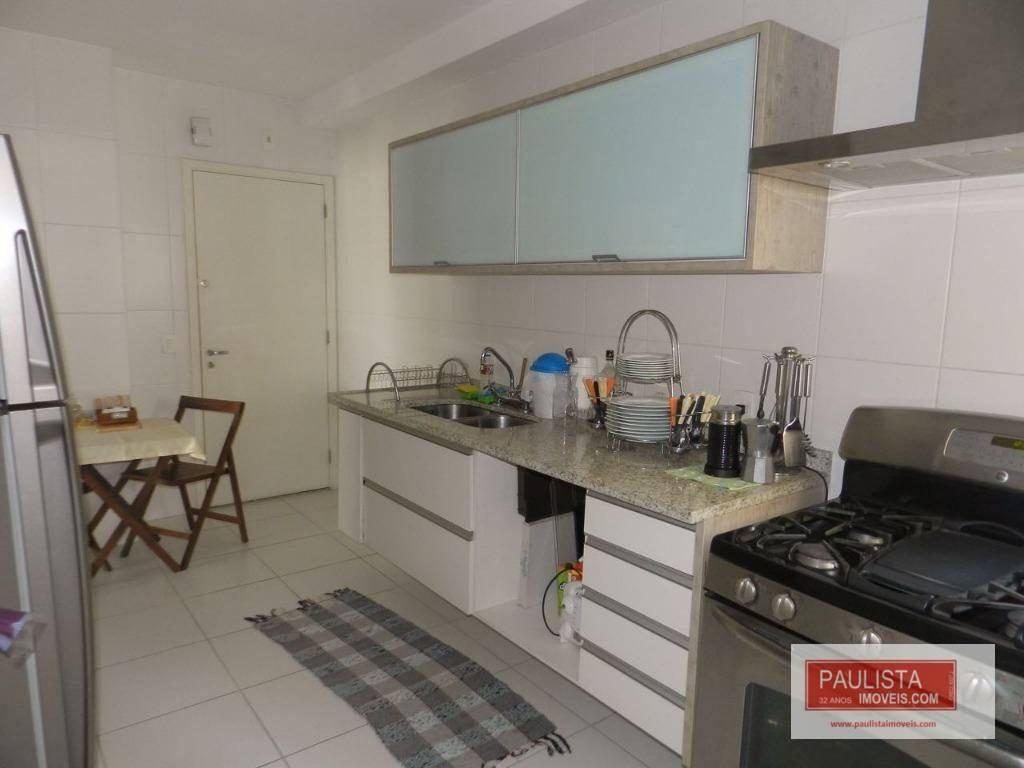 apartamento lindo e aconchegante com varanda gourmet. o condomínio oferece lazer com piscina, salão de festas,...