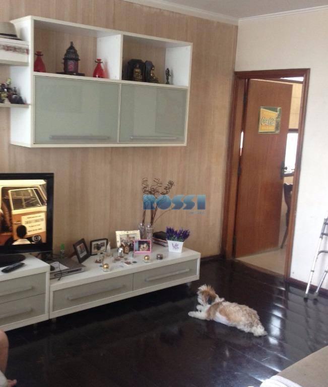 aceita permuta por apartamento de até r$550 mil na mooca ou vila prudente.ótima casa na vila...