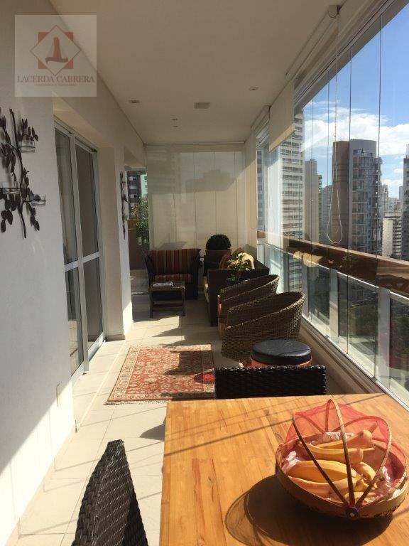 belíssima cobertura à venda com 290m², piso inferior possui sala muito ampla com varanda gourmet, piscina,...
