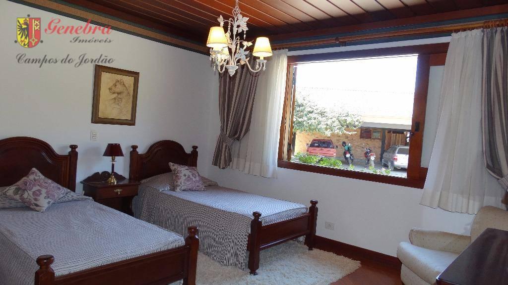 casa principal acomodações:quatro suítes com armários embutido,sala de estar,sala de jantar, home office, sala de leitura,...