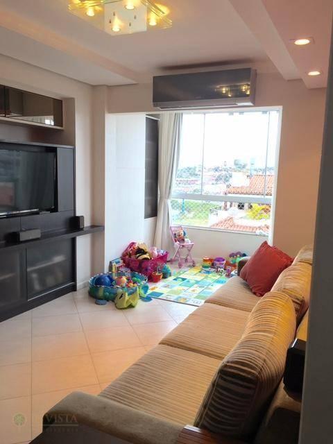 Apartamento de 2 dormitórios à venda em Abraão, Florianópolis - SC