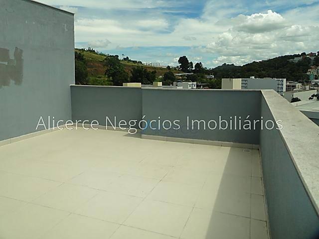 Cobertura com 1 dormitório para alugar, 85 m² por R$ 1.100/mês - São Pedro - Juiz de Fora/MG