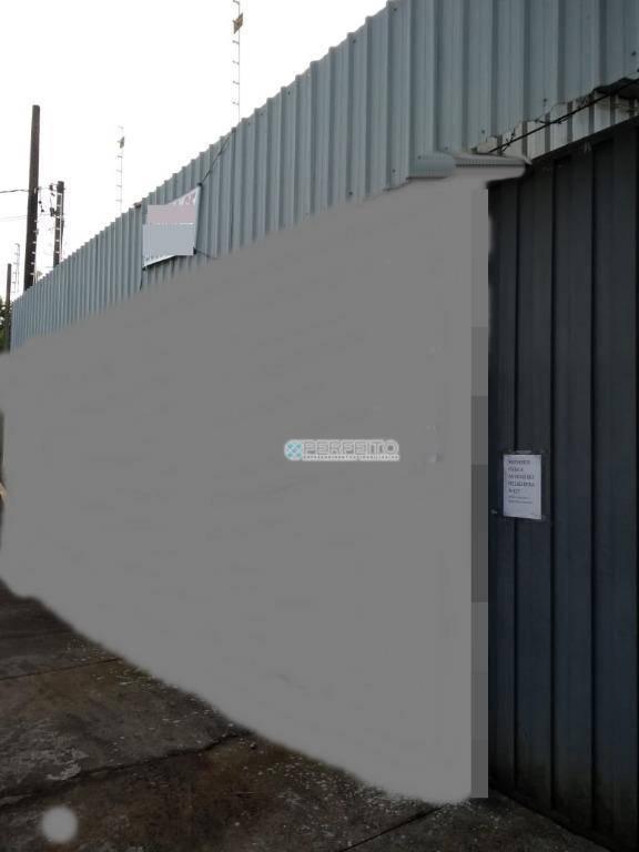 Barracão para alugar no Centro de Londrina, 240 m² por R$ 2.400,00/mês