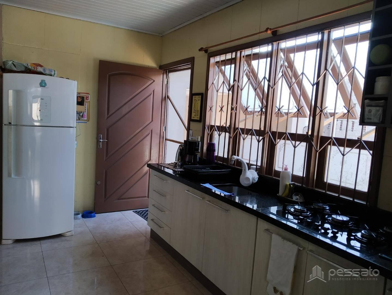 casa 3 dormitórios em Gravataí, no bairro Monte Belo