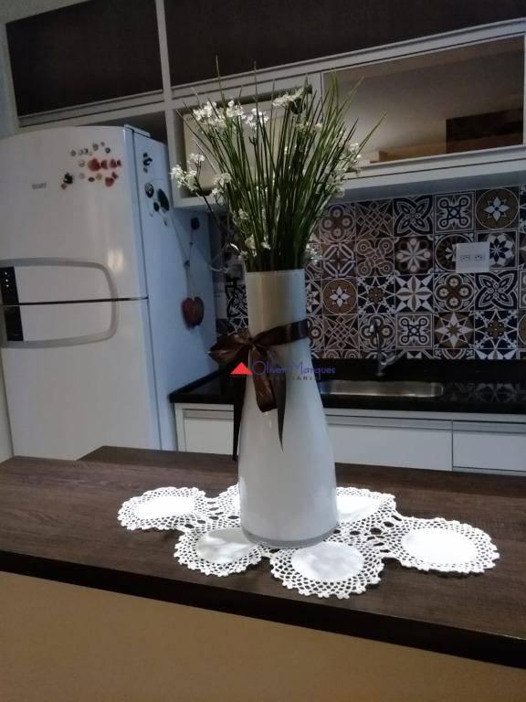 Apartamento com 2 dormitórios à venda, 51 m² por R$ 222.600 - Carapicuíba - Carapicuíba/SP