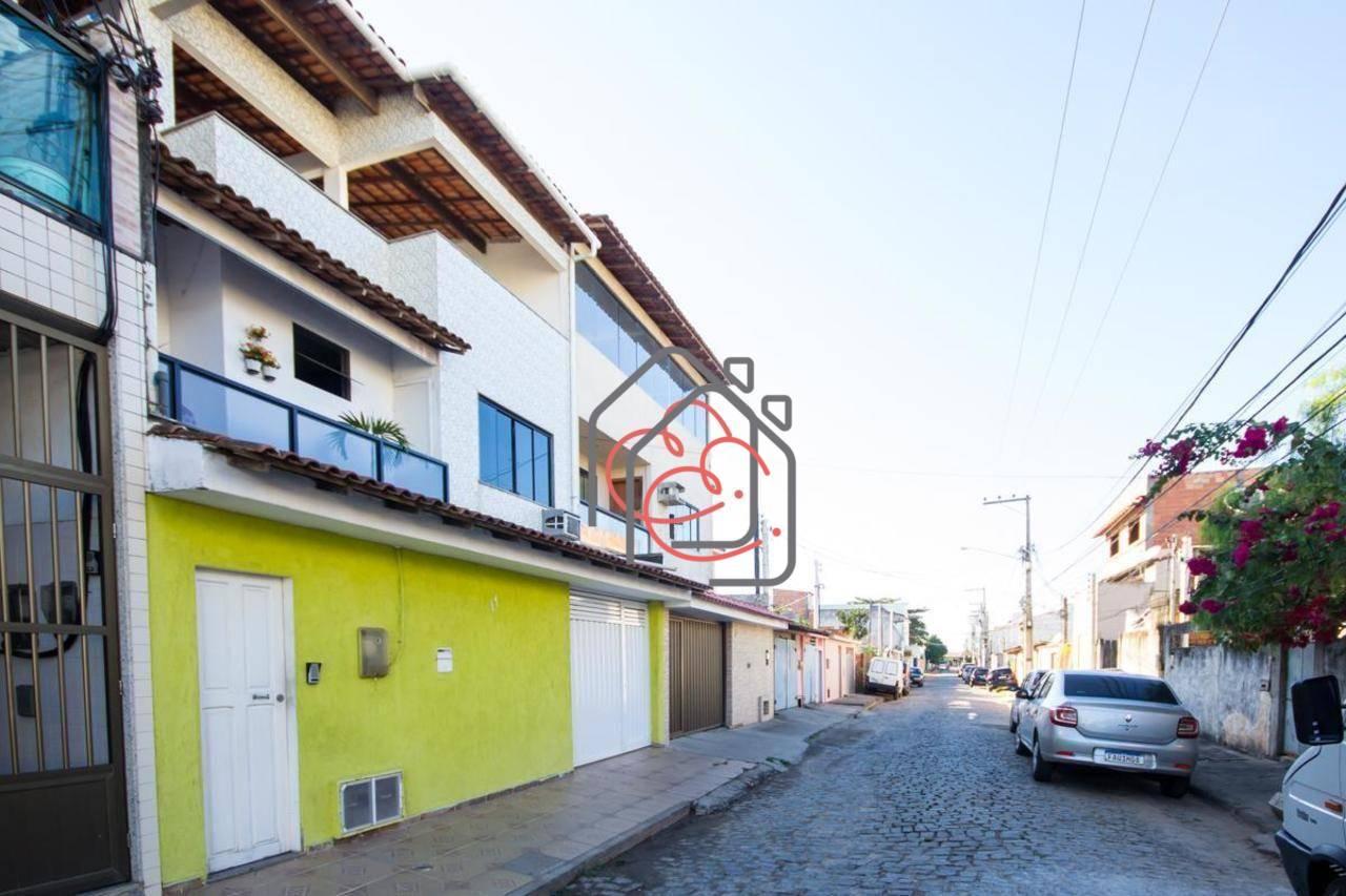 Casa em Campo do Oeste  -  Macaé - RJ