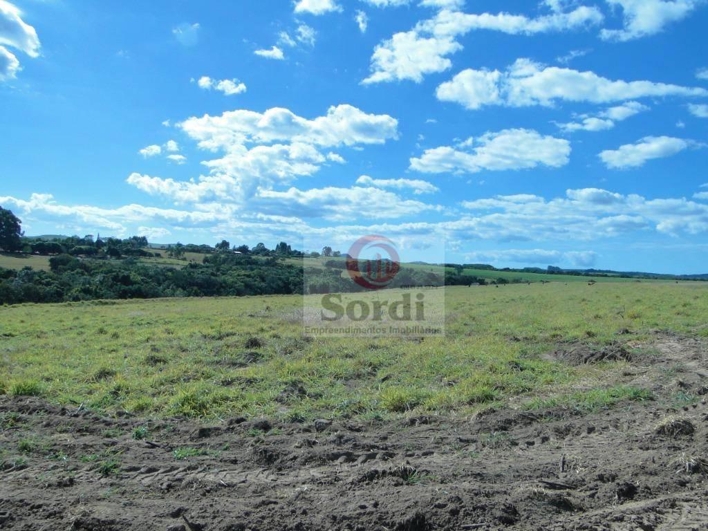Sítio à venda, 30000 m² por R$ 250.000,00 - Estrada Municipal Rural - Cajuru/SP