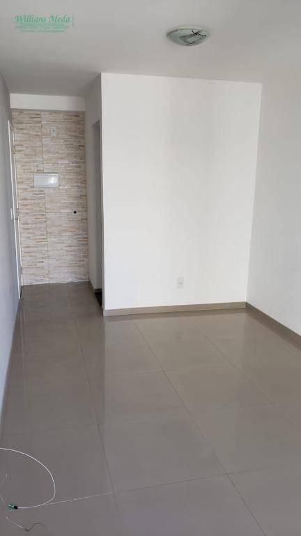 Apartamento com 3 dormitórios à venda, 62 m² por R$ 330.000 - Vila Monteiro Lobato - Guarulhos/SP