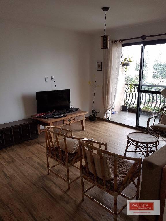 excelente apartamento em andar alto, recém reformado!arquitetura rústico-contemporanea. pias dos banheiros estilo escrivaninha de madeira com...