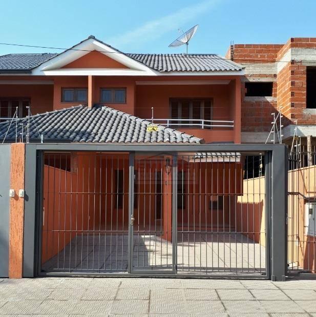 EMICREI VENDE - Casa/Sobrado - 3 dormitórios (1 tipo suíte), 2 salas, lavabo, sacada. Fino acabamento, bairro Padre Reus, São Leopoldo - RS
