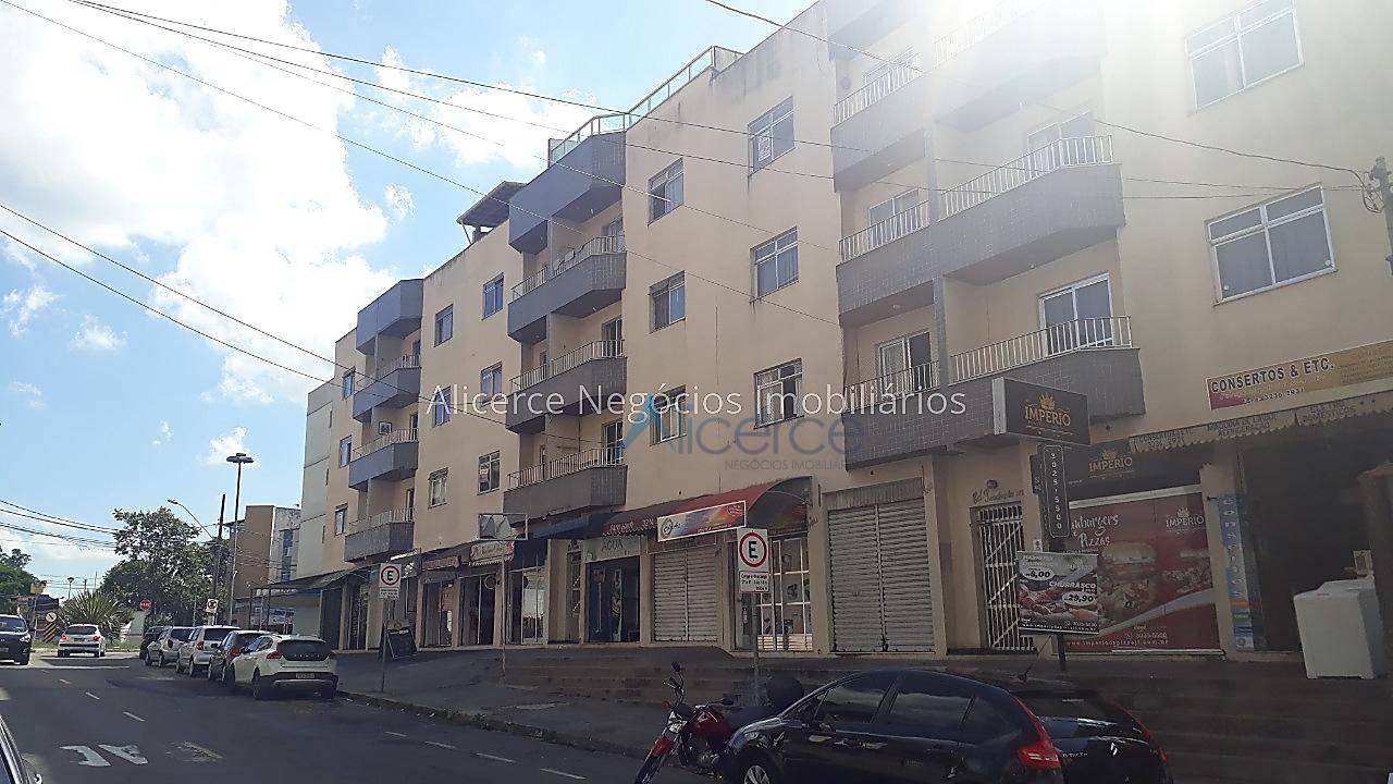 Apartamento com 1 dormitório para alugar, 40 m² por R$ 800/mês - Cascatinha - Juiz de Fora/MG
