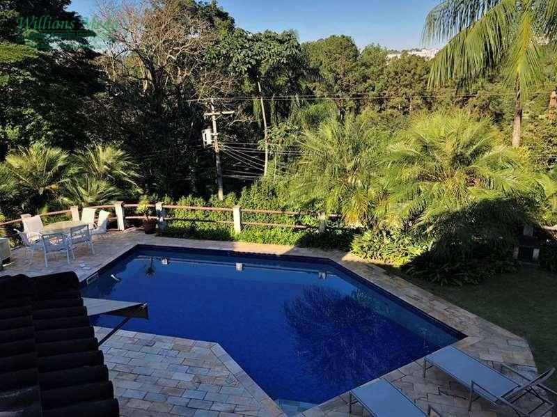 Sobrado com 3 suítes em Condomínio Fechado à venda, 472 m² por R$ 1.750.000 - Vila de São Fernando - Cotia/SP