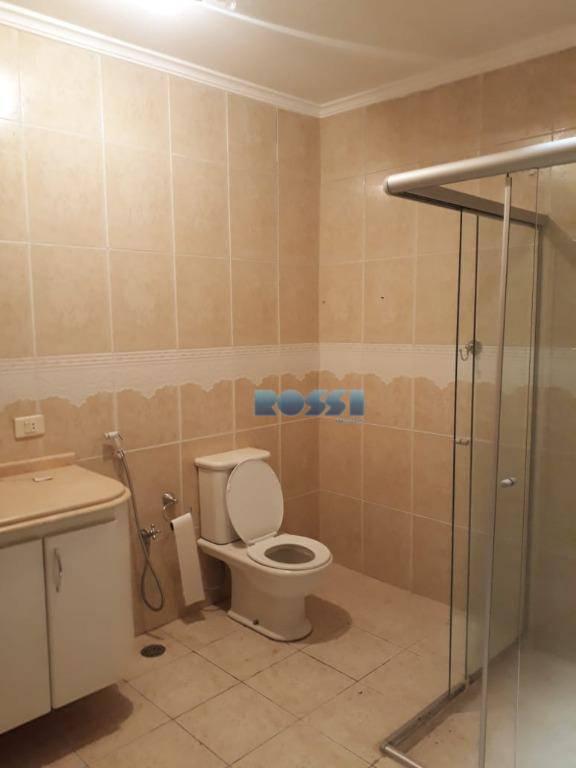 casa localizada na vila prudente3 dormitórioscozinha com armáriosala amplaárea de serviçoquintal1 vaga cobertapiso friolavanderia com banheiroportão...
