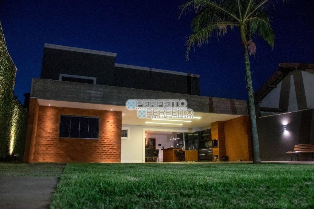 Casa com 3 dormitórios à venda, 191 m² por R$ 670.000 - Jardim Vila Rica - Cambé/PR