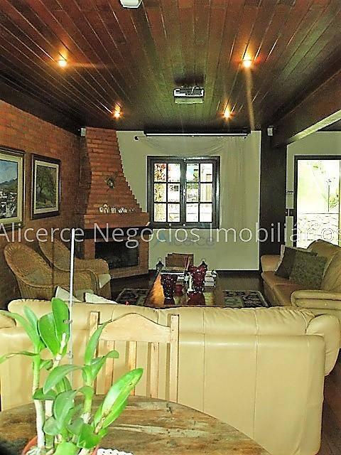 Casa com 4 dormitórios à venda, 300 m² por R$ 800.000 - Parque Jardim da Serra - Juiz de Fora/MG