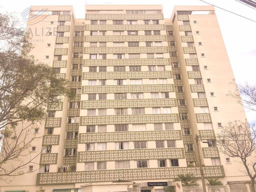 Apartamento com 03 quartos e elevador Portão, Curitiba.