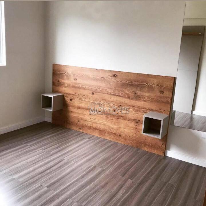 Pinheirinho na Rua Emanoel Voluz - Apartamentos com 2 dormitórios, sacada e churrasqueira.