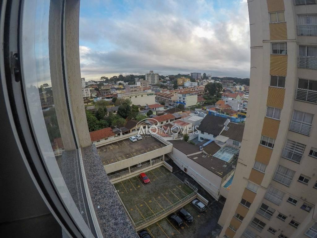 Apartamento com 2 dormitórios em área central de São José dos Pinhais