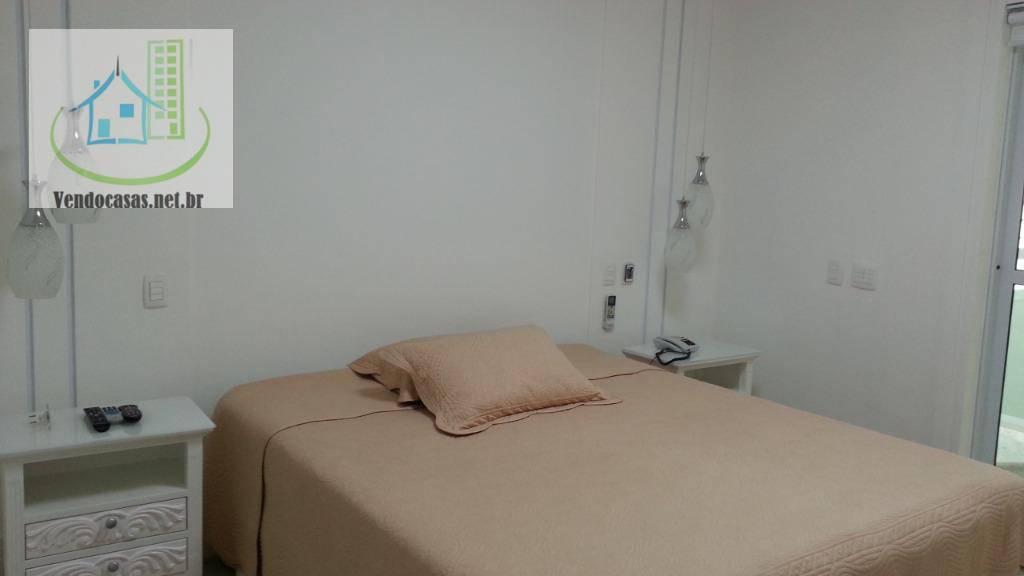 Sobrado de 4 dormitórios à venda em Jardim Anhangüera, São Paulo - SP