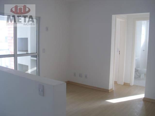 Apartamento com 2 Dormitórios à venda, 59 m² por R$ 215.000,00