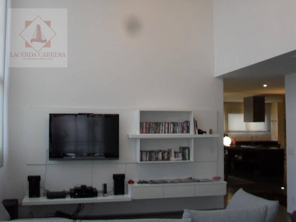 excelente apartamento com pé direito duplo, repleto de armários nos dormitórios, cozinha planejada, maravilhosa vista., venha...