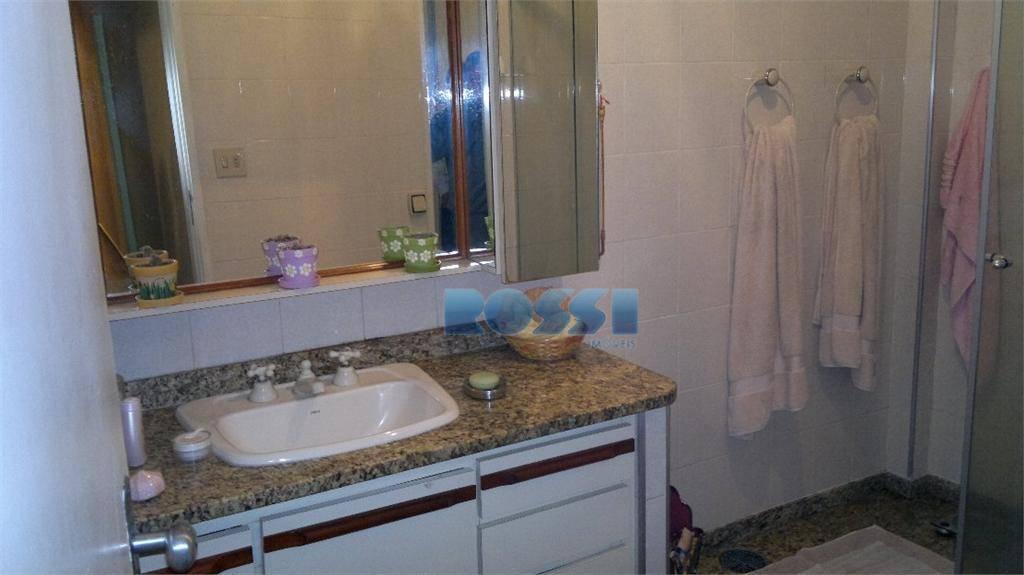 apartamento bem localizado. 03 dormitórios, sendo 01 suíte. banheiro social com armários. cozinha com armários. sala...