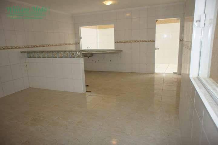 Sobrado 3 dormitórios, sendo 1 suíte, 12 vagas, Recreio São Jorge, Guarulhos.