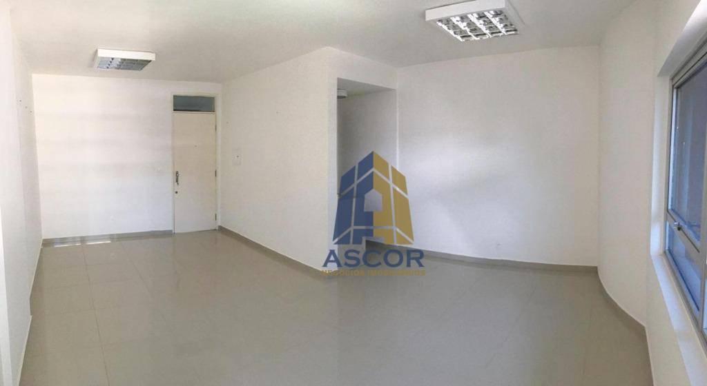 Sala comercial 28m², lavabo, copa, Centro - Florianópolis!
