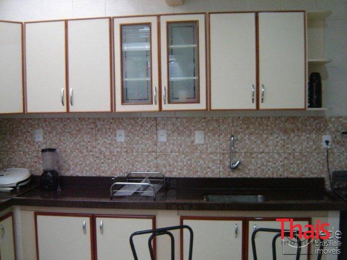 Casa de 6 dormitórios à venda em Guará I, Guará - DF