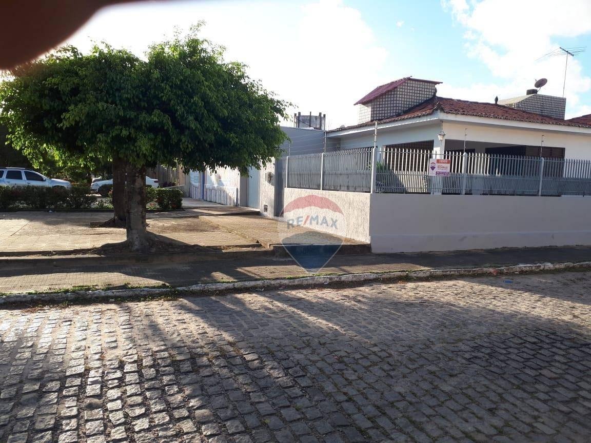 Casa à venda, 179 m² por R$ 320.000,00 - Cohabinal - Parnamirim/RN