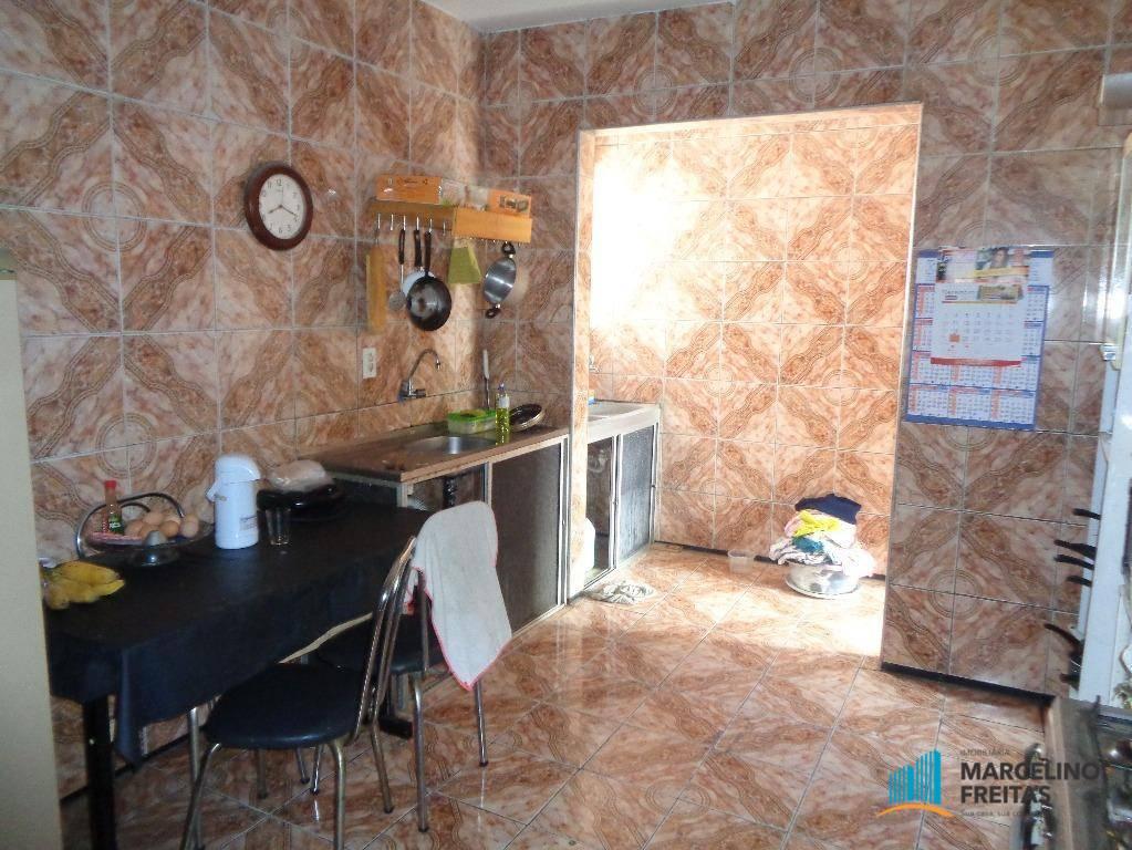 Casa / Sobrado à Venda - Democrito Rocha