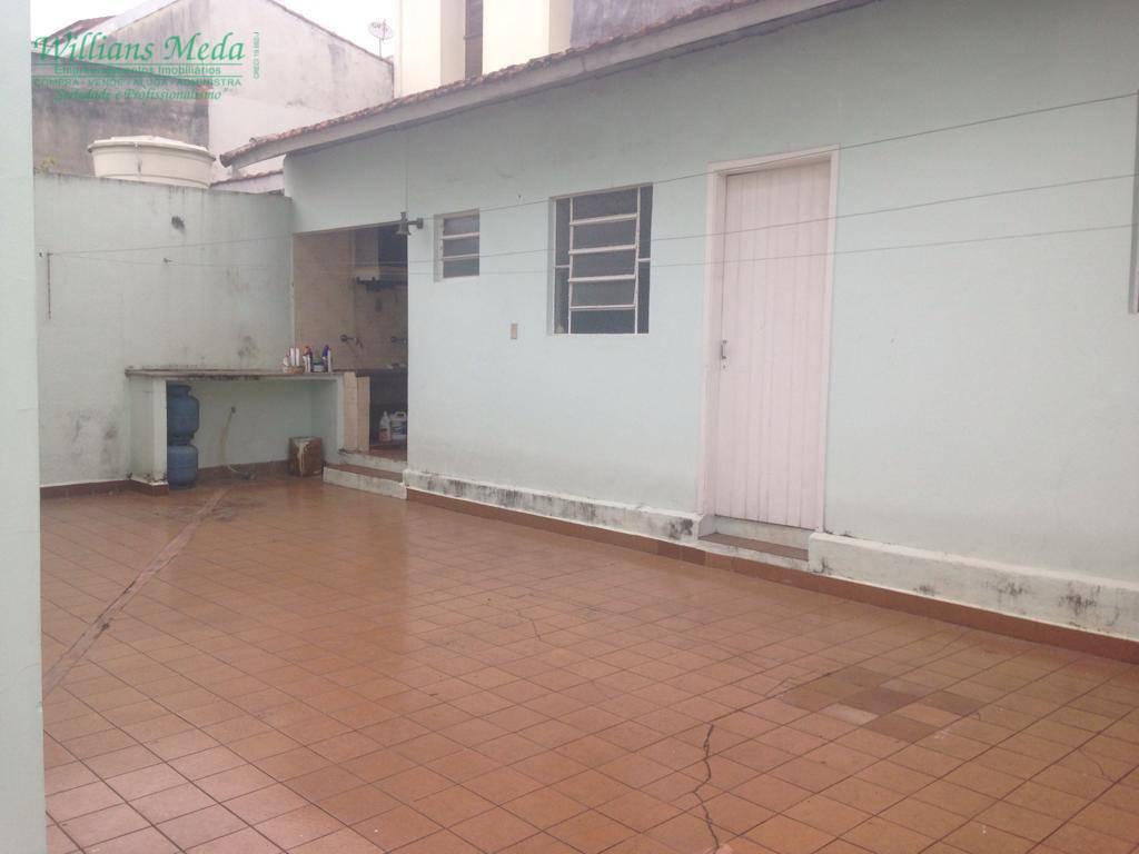 Sobrado com 3 dormitórios para alugar, 224 m² por R$ 3.000/mês