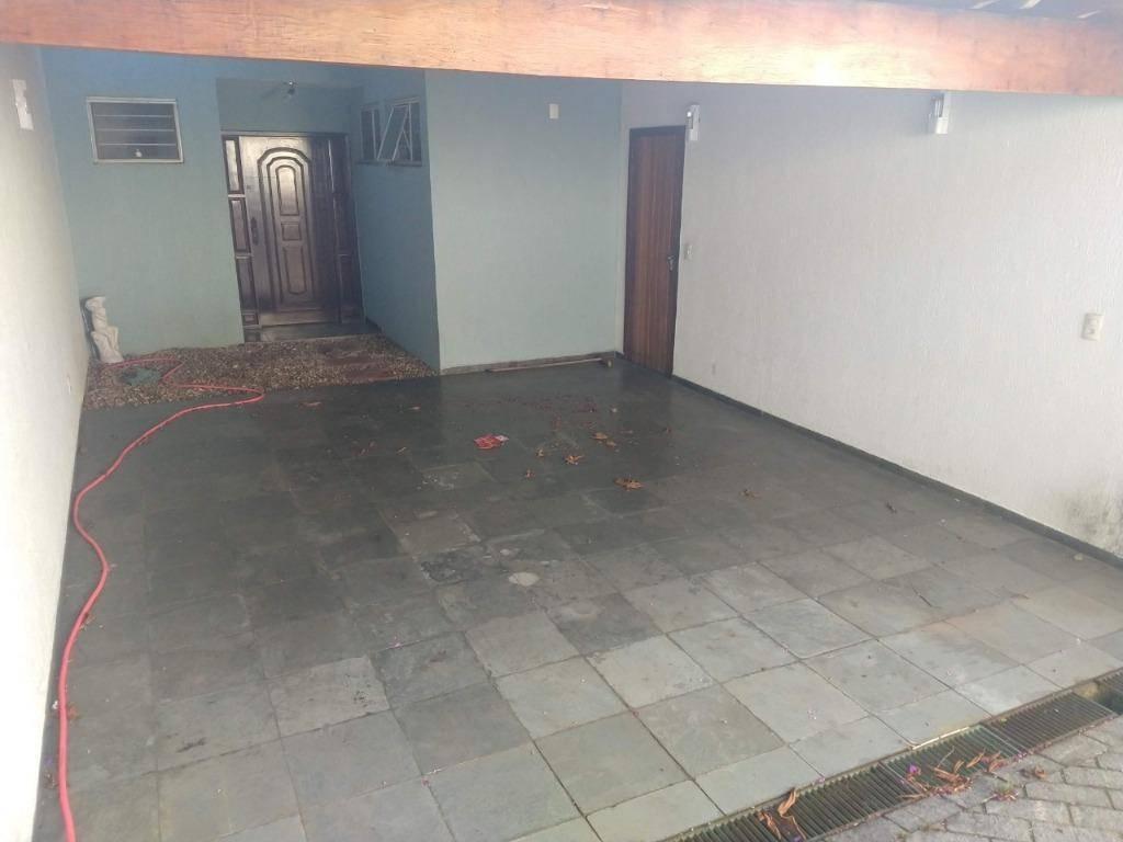 Sobrado com 3 dormitórios à venda, 273 m² por Vila Bastos - Santo André/SP