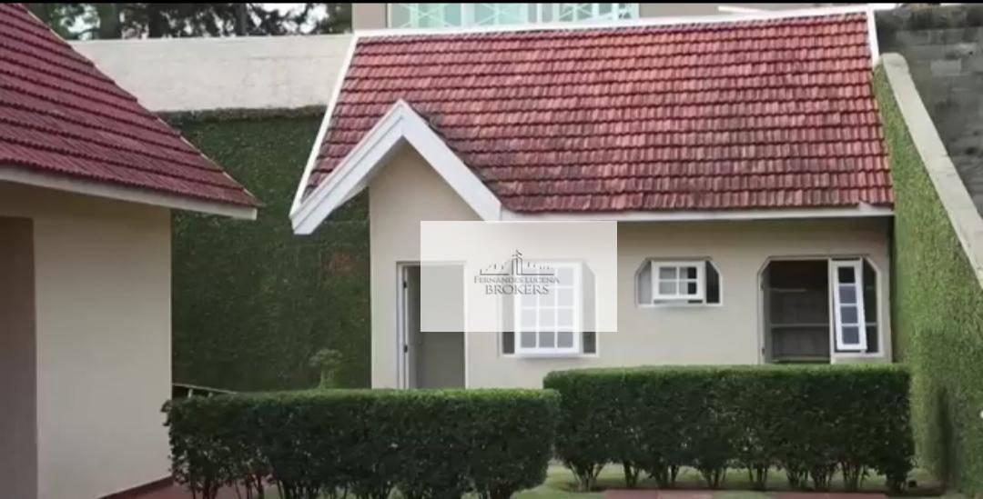 1.250 m² de terreno plano 750 m² de área construída4 suítes todas com closetgaragem para 4...