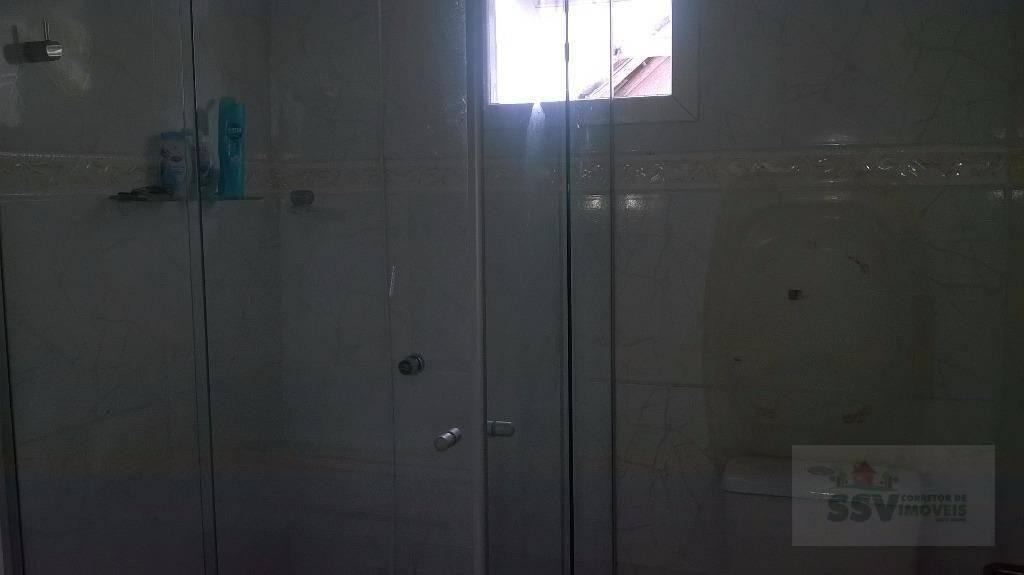 residencia no condomínio sociedade lagoa águas claras.casa de alvenaria , 2 dormitórios, sala conjugada com a...