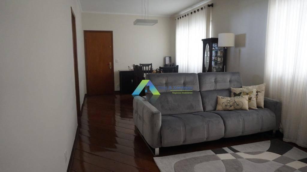 Excelente oportunidade apartamento com 137 metros, 4 dormitórios, na cidade de São Caetano do Sul com fácil acesso a comercios e principais avenidas.