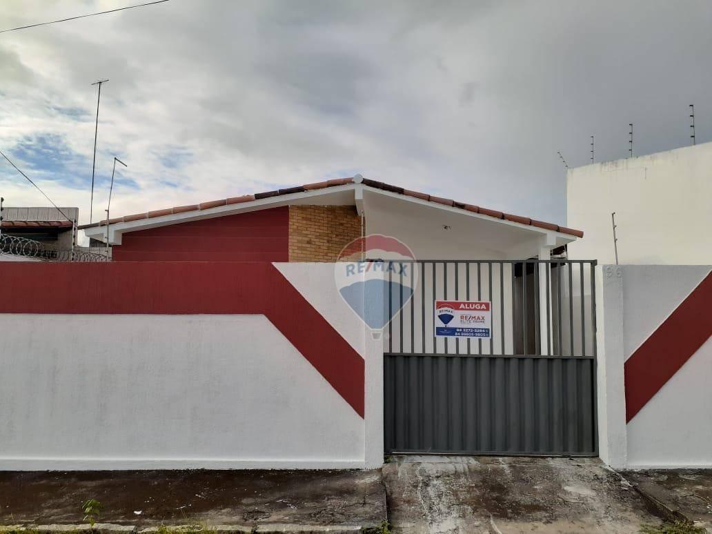 Casa com 3 dormitórios para alugar, 125 m² por R$ 850,00/mês - Vida Nova - Parnamirim/RN