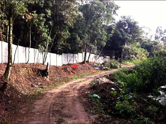 Terreno à venda, 3092 m² por R$ 450.000 - Três Montanhas - Osasco/SP