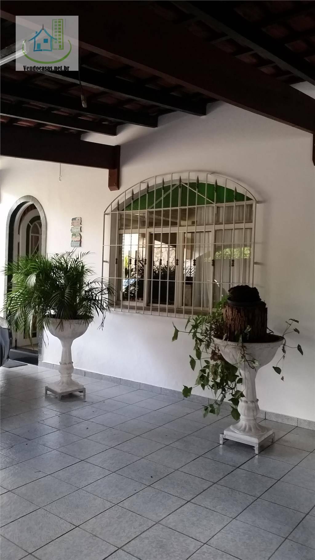 Sobrado de 3 dormitórios à venda em Jardim Luanda, São Paulo - SP