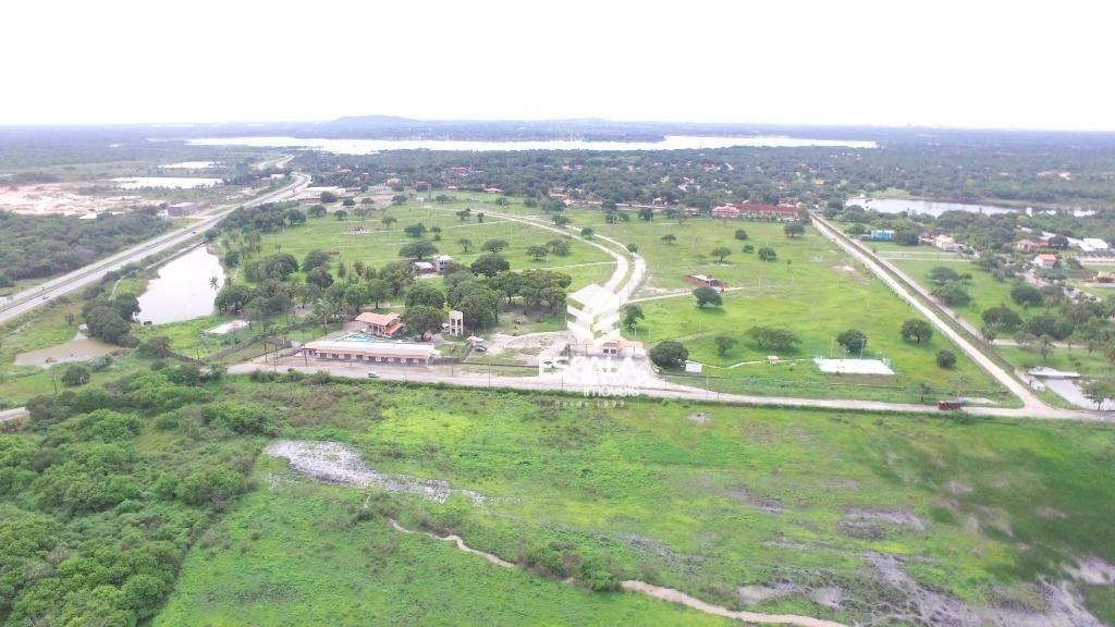 Terreno à venda, 282 m², condomínio fechado, área de lazer, financia - Lagoa do Banana - Caucaia/CE