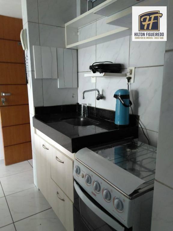alugo flat em tambaú, 40 m área, varanda, quarto, sala, banheiro e cozinha americana. R$ 1500 c cond. incluso